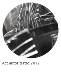 act-autoritratto